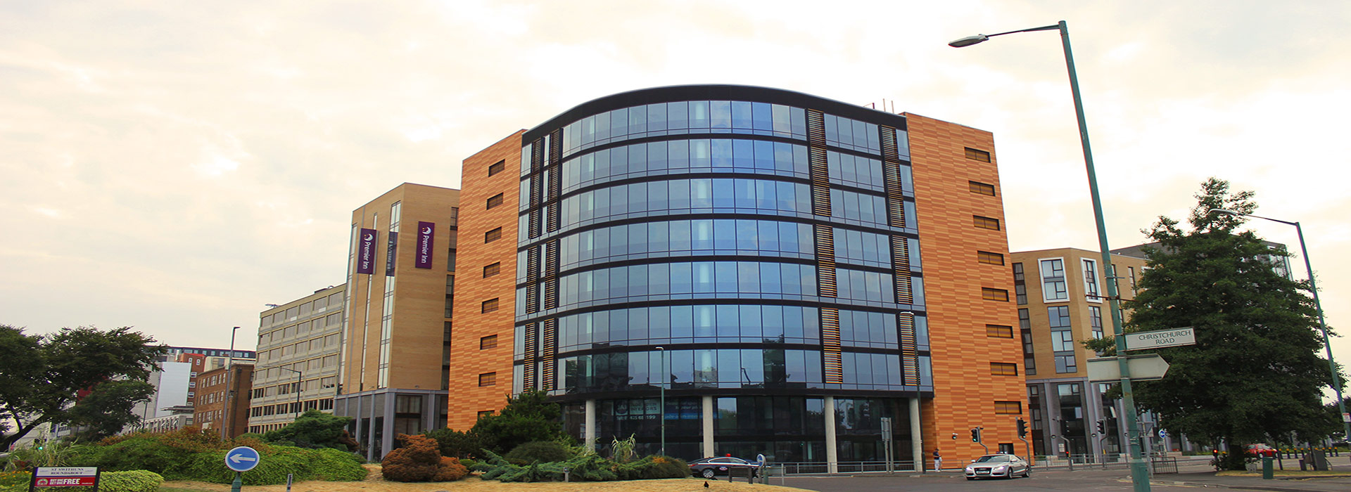 128 BED HOTEL, 920 STUDENT ROOMS & OFFICES IN BOURNEMOUTH